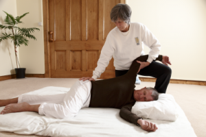 Shiatsu gallbladder stretch